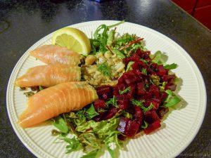 Zweedse salade met haring en bietjes