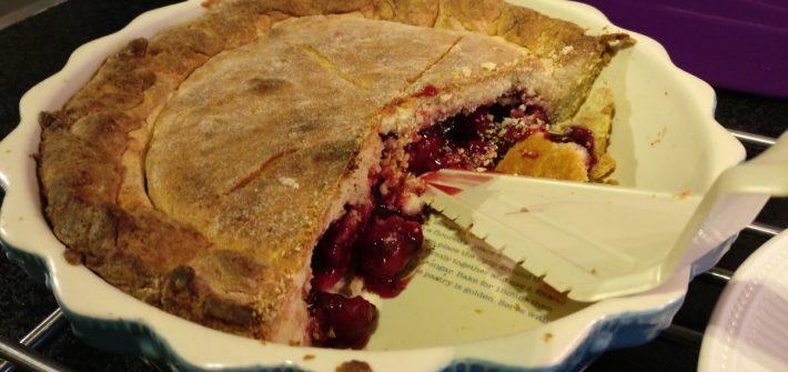 Zelfgemaakte cherry pie