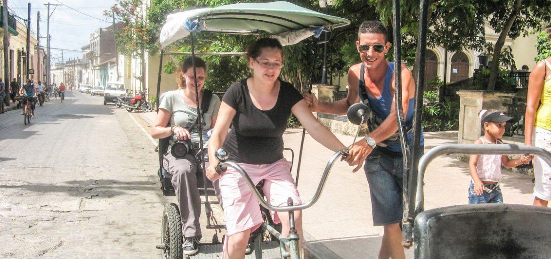 Op de fietstaxi door Camagüey