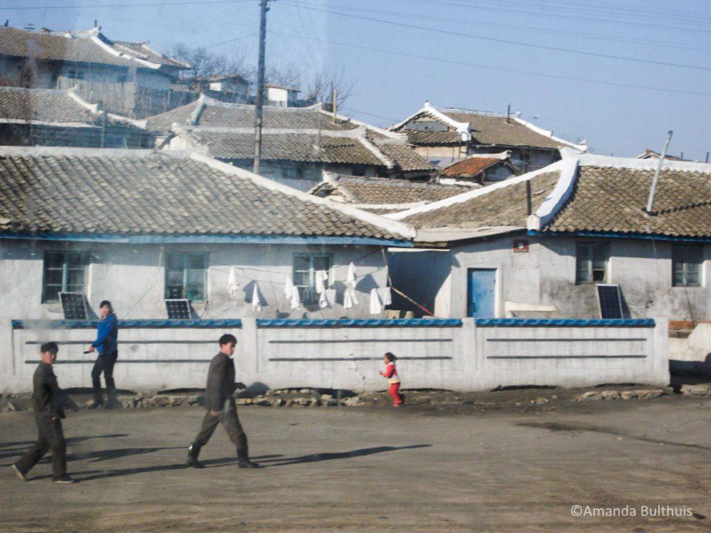 2e foto vanuit trein naar Pyongyang