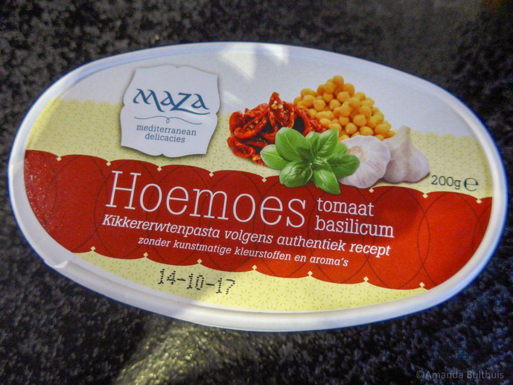 Hoemoes tomaat basilicum