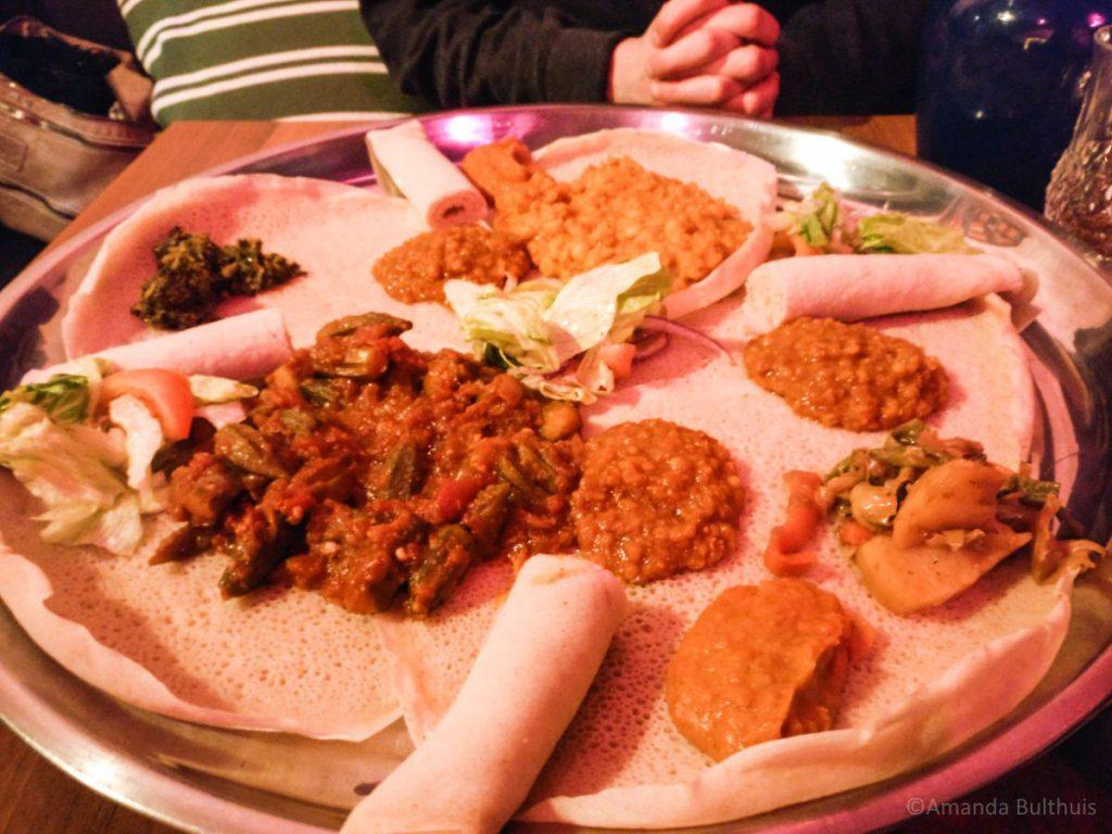 Eritrees eten bij Gezana
