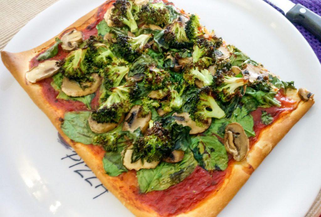 Pizza spinazie, broccoli, champignons