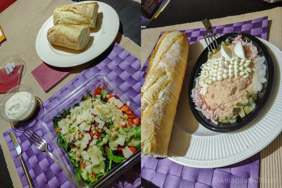 Salade met stokbrood