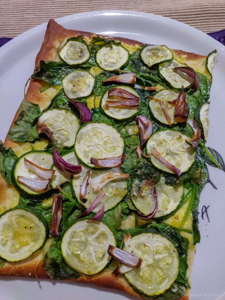Vegan pizza bianca
