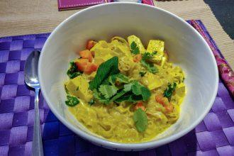 Vegan curry laksa