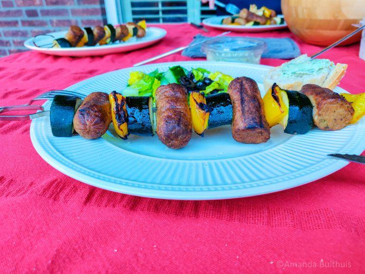 BBQ spiesjes met vegetarische worstjes