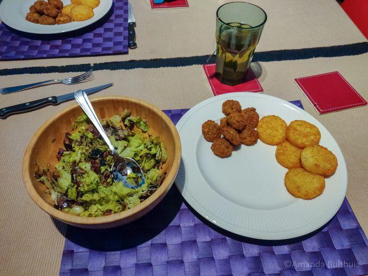 Salade met rösti en falafel