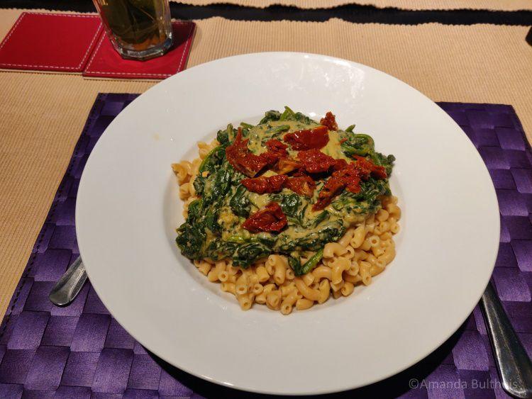 Pasta met spinazie en havercrème