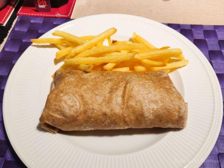 Vegan gyros wraps en frietjes