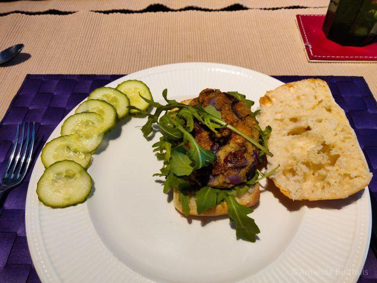 Polenta aubergine burger