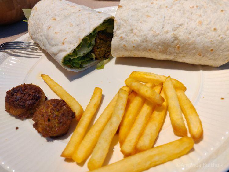 Falafelwrap met friet