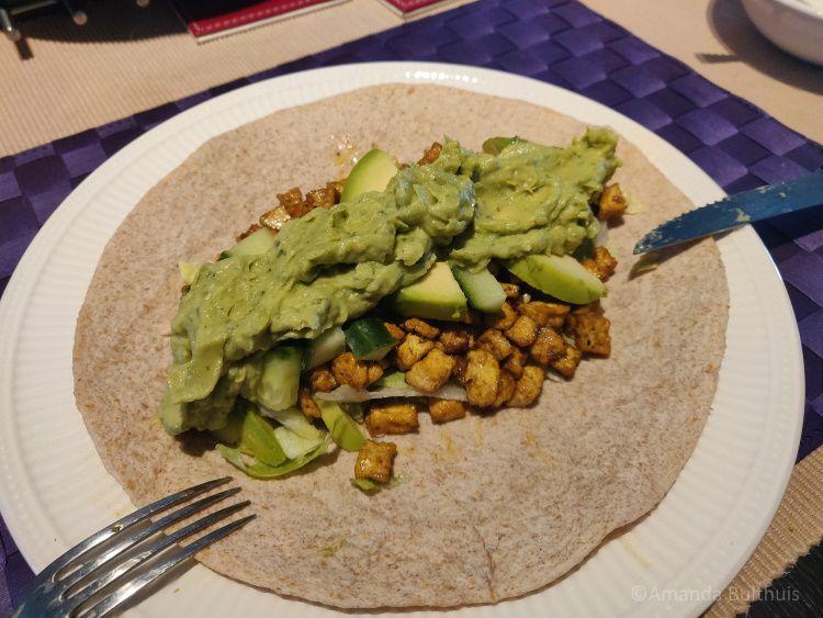 Wraps met avocado, tofu, munt en komkommer