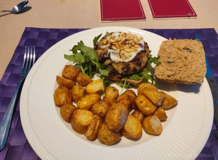 Polenta - aubergine - burger